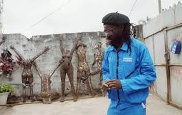CNN : The Congolese artist making sculptures with scraps